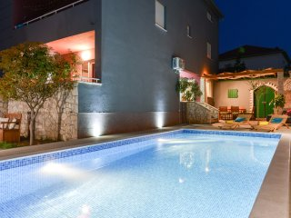 Villa Šima- luxury apartment with private pool
