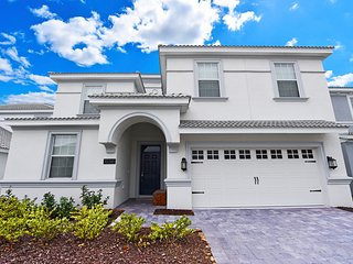 Amazing 8 bedroom 5 bath Champions Gate home from $280nt