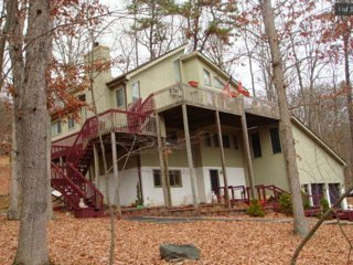 Delaware Water Gap, Shawnee Ski, Poconos HUGE mountain house lots of amenities!, Bushkill