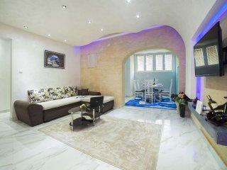 Apartments Amigo - Luxury Two Bedroom Apartment with Sea View