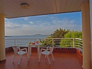 Apartamento con dos  terrazas y piscina  y hermosas vistas al Mar (Arpon 8C)