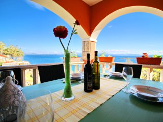 Apartments Sea Line - One Bedroom Apartment with Terrace and Sea View, Blato