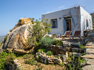 Rock Cottage in Tinos