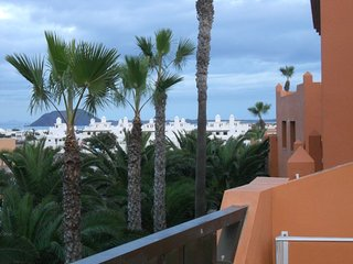 Papagayo - Lovely Apartment with Private Terrace with Isla Lobos Sea-View, Corralejo