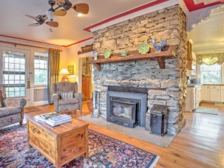 Beautiful Banner Elk Home w/ Mountain Views, Decks