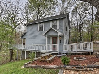 Peaceful Grove Home w/Wooded Scenery -Walk to Lake