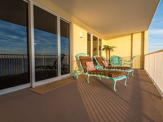 SHORE Is Calling. ANSWER!!  Jazzy 2BR Condo on the beach. BEACH more worry less!