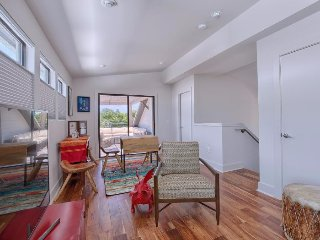 Luxury 3 Bedroom in Hip East Austin + Walk to DT & UT