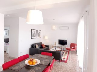Apart.2, Malaga, sleeps 5 to 8, sea view & terrace