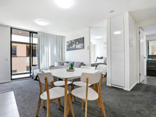 2BR Apartment in Adelaide CBD