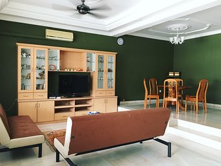 K Homestay 4BRx4BR up to 16pax at Taman Perling, JB