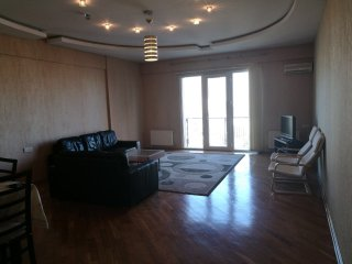 120m2 apartment in a quiet central location 5 min walking distance to the center