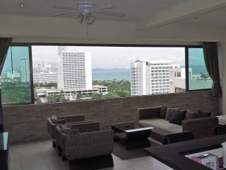 Studio 60sqm, OceanView, floor 14th, Pratmnak Hill
