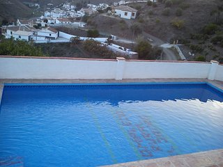 House - 25 km from the beach, El Borge