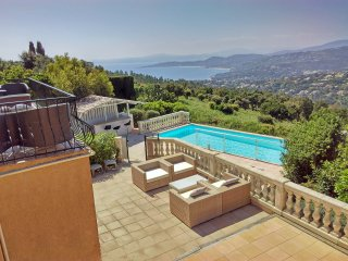 Luxury Villa, private pool, magnificent views, gym 5 double bedrooms all ensuite