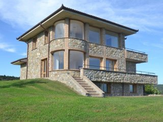 Villa with pool overlooking Lake Bolsena, Grotte di Castro
