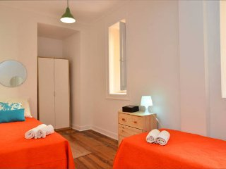 CHIC APARTMENT IN LARGO DO INTENDENTE (10 DOUBLE-ROOM )
