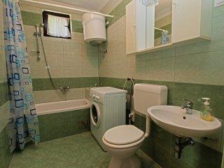 Apartment 9644
