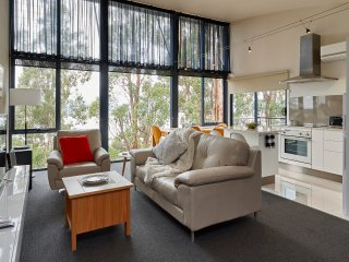 Tamar River Apartments - Treetops Luxury 1 Bed, Rosevears