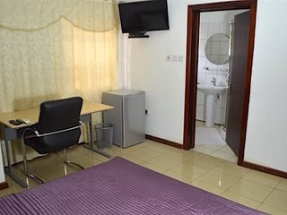 1 Ensuite Room - East Airport, Accra