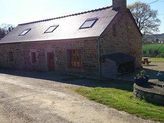 Spacious Family Farmhouse .Peaceful rural location. Close to beaches.Great Views, Gourin