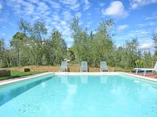 This lovely villa divided into two floors offers 3 double bedrooms, 3 bathrooms,