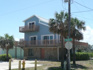 New Smyrna Beach 3 Story, 5 Bedr, Steps from Ocean