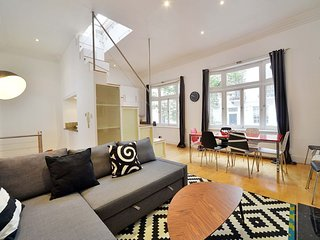 2 bedroom family home in trendy Notting Hill