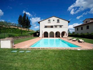 Carolina is a villa with pool located in the heart of Tuscany, completely recent