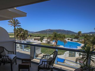 Apt. sea view, pool, beach at 200m