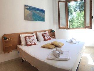 Spazioso appartamento con terrazzo e piscina, Santa Cesarea Terme