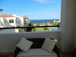 Second floor, super beachfront 3 bedroom apartment in Atlantic Magna, parking