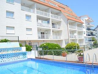 Apartamentos para 2/4 personas con piscina y vistas al mar. A 300 m. de la playa, Raxo