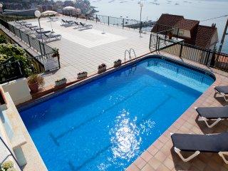 Apartamentos Park Raxo (2 dormitorios 4/6 personas). A 300 m. de la playa