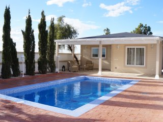 Beautiful Villa for 4p., private heated pool, nice views, 8 min. from the beach