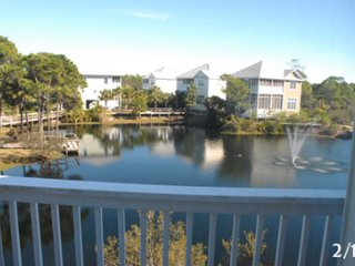 GULF SIDE:LAKE FRONT End Unit*Only 200 Steps to Beach*Pet Friendly Beach