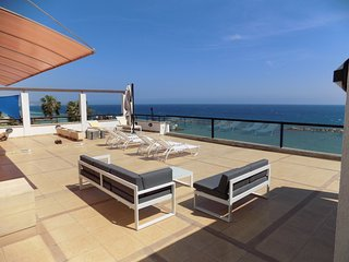 3b Seafront Penthouse with pool - Apollonia beach