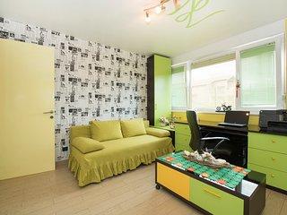 Apartman Diana-Two Bedroom Apartment with Garden