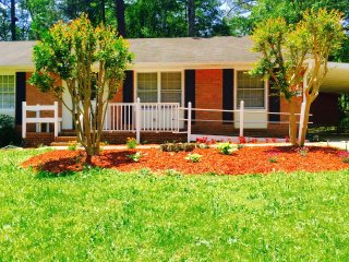 Peaceful Roomy Estate In the City (Limited Offer!), Marietta