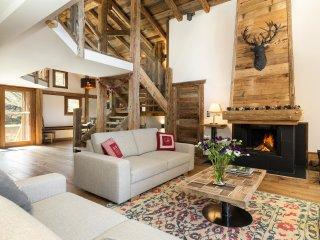 Ski Chalet Mont Blanc Luxury Chalet with Hot Tub. Gourmet Ski Weekends