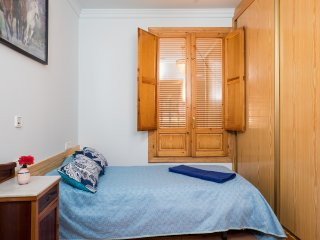 Casa Rosa  Bed and Breakfast - Single Room with Bathroom  Bedroom 5 GFF, Alcalali