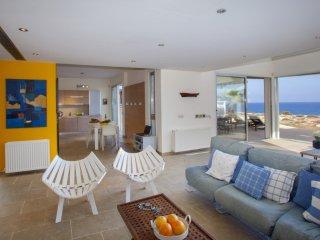 PRNV9  Nireas Seafront Villa