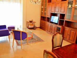 Soleggiato nel centro città a due passi dal mare Wi-fi tv con canali sat free, Ventimiglia