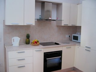 Well equipped new kitchen