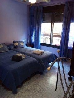 Se alquila apartamento céntrico, luminoso  y muy cómodo