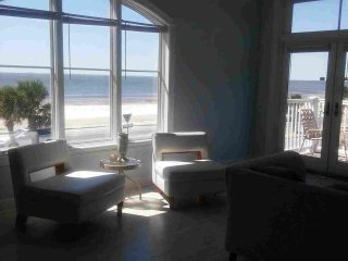 Beautiful Beachview Terrace, Unit 1!, Gulfport