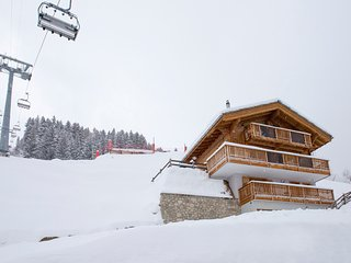 Luxurious Contemporary Ski In Ski Out in 4 Vallees