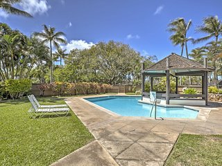2BR Kahuku Townhouse - Walk to Beach!
