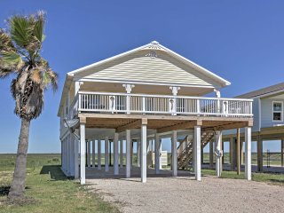 Surfside House w/Patio&Ocean Views-Steps to Beach