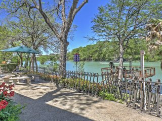 NEW! 3BR Seguin Home on Lake Placid w/ Dock!